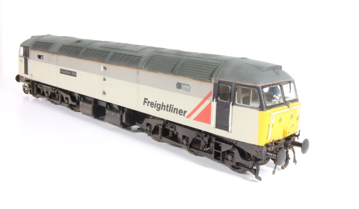 Class 47 47376 'Freightliner 2000' - Originally a Bachmann 47 that had a complete repaint after moving the high intensity light to a more central position and fitting different fuel tanks and weathering.