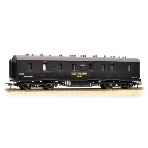 50ft Ex-LMS PIII BG Van in BR Departmental Black