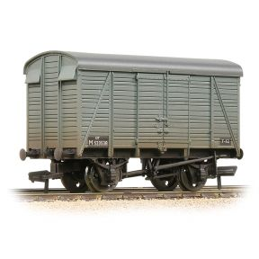 Bachmann 38-081C SR 12T 2+2 Planked Ventilated Van BR Grey Early Weathered