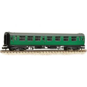 Graham Farish 374-462 N Gauge Bullied 63ft Composite Corridor BR (SR) Green