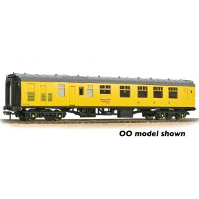 Graham Farish 374-089 BR Mk1 BCK Brake Composite Corridor Network Rail Yellow