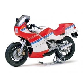 Suzuki RG250 F Full Options Disk