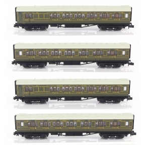 Dapol 2P-014-001 N Gauge 4 coach Set Maunsell High Window Coaches Lined Olive Green Set No.193