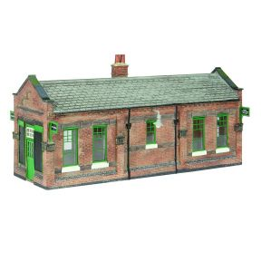 Bachmann 44-116A Great Central Waiting Room GCR Green & Cream