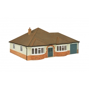 Hornby R7290 OO Gauge Bungalow Avalon