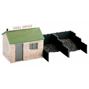 Wills SS15 OO Gauge Coal Yard & Hut with Plastic Coal