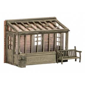 Wills SS24 OO Gauge Conservatory with Garden Seat