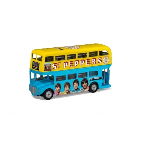 Corgi CC82339 The Beatles London Bus Sgt. Peppers Lonely Hearts Club Band